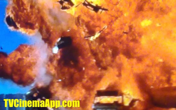 TVCinemaApp.com - Film Director: The bus explosion in Jan De Bont's Speed, starred Keanu Reeves, Sandra Bullock, Dennis Hopper, Joe Morton, Jeff Daniels.