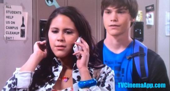 I Watch Best TV Cinema App: Adam (Nick Krause) and his girlfriend Melissa Sanders (Ashley Holliday) in Hollywood Heights.