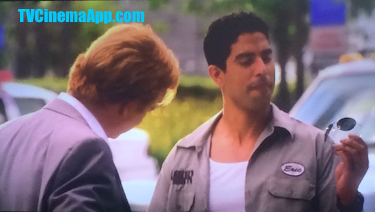 TVCinemaApp.com - CSI: Adam Rodriguez, Eric Delko with Eyeglasses for Horatio Caine (David Stephen Caruso), a Gesture, Which has Developed with Professional Elements to Become Family Relation.