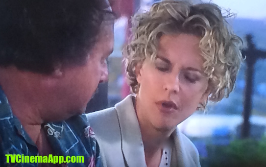 TV Cinema Gallery: Brad Silberling's City of Angels, Meg Ryan, surgeon Maggie Rice speaking to Dennis Franz, Nathaniel Messinger and trying to understand the story of the angels.