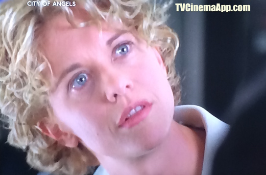 TV Cinema Gallery: Brad Silberling's City of Angels, Meg Ryan, as surgeon Maggie Rice surprised when Nicolas Cage, angel Seth told her that he is not a human, but an angel.