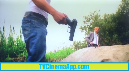 TVCinemaApp.com - CSI Miami: When the truck driver Eric Delko (Adam Rodriguez) found the crime weapon and handed it to Horatio Caine (David Stephen Caruso).